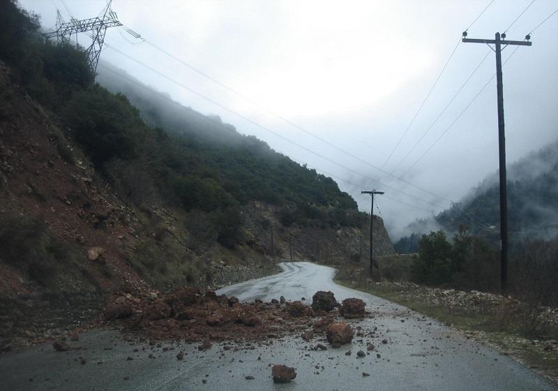 Ξεκινά η αποκατάσταση ζημιών στο οδικό δίκτυο της Π.Ε Καρδίτσας
