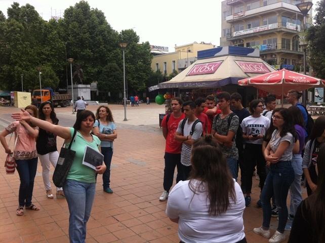 Διδακτική επίσκεψη του 5ου ΓΕΛ Καρδίτσας στο κέντρο της πόλης