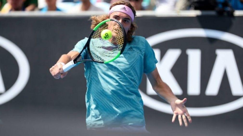 """Στους """"16"""" του Australian Open ο Τσιτσιπάς με αντίπαλο τον Φέντερερ"""