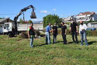 Επιχείρηση καθαριότητας και ευπρεπισμού στους δημόσιους χώρους στη συνοικία Καμινάδων