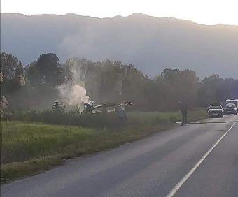 Κάηκε ολοσχερώς αυτοκίνητο στο δρόμο Τρικάλων – Φωτάδας