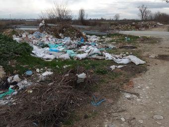 Παρ. Ντούρβα: Τόνοι σκουπιδιών στην παλιά κοίτη του ποταμού Πάμισου