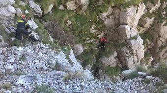 Πάρνηθα: Ανασύρθηκε χωρίς τις αισθήσεις του αγνοούμενος ορειβάτης