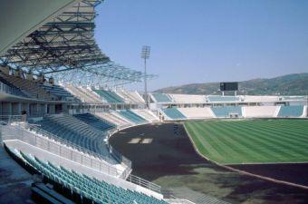 Σέντρα στην 4η αγωνιστική στη Super League 1 με τρεις αγώνες το απόγευμα του Σαββάτου (21/9)
