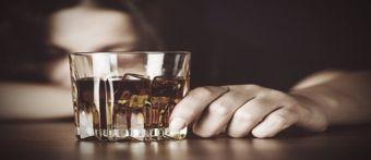 """Χριστίνα Τρελλοπούλου: """"Αλκοολισμός - Παράγοντες εθισμού - Απεξάρτηση"""""""