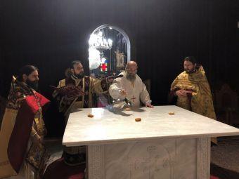 Τον καθαγιασμό της Πλακός της Αγίας Τραπέζης του Μητρολιτικού μας Ναού Αγ. Κωνσταντίνου & Ελένης τέλεσε ο Μητροπολίτης κ. Τιμόθεος