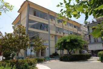 Δήμος Καρδίτσας: Έκκληση να μην καταλαμβάνονται πεζοδρόμια με κλαδιά και χόρτα