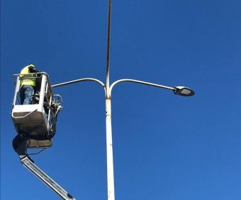 Υπεγράφη η σύμβαση για τη συντήρηση ηλεκτροφωτισμού – σηματοδοτών οδικού δικτύου Π.Ε. Μαγνησίας