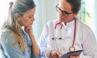 Ένας στους δύο ασθενείς κρύβει σοβαρές πληροφορίες από τους γιατρούς