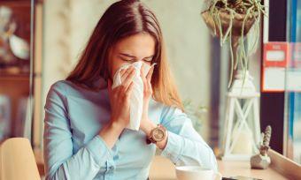 Πώς θα καταλάβετε αν έχετε γρίπη ή απλή ίωση