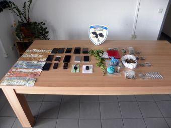 Εξαρθρώθηκαν δύο εγκληματικές οργανώσεις που διακινούσαν ναρκωτικά στην περιοχή των Τρικάλων