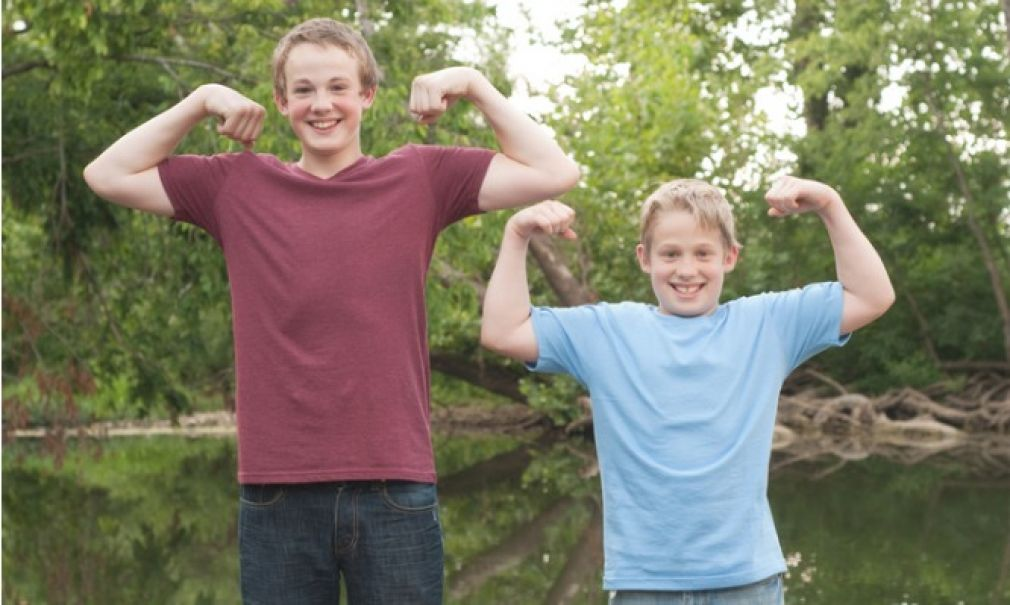 Σε ποια ηλικία σταματάει η ανάπτυξη των αγοριών